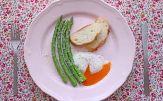 アスパラ料理の写真