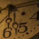 アンティークな時計の画像│アンチエイジングには「時に逆らう」意味と「時を遅らせる」という意味があります