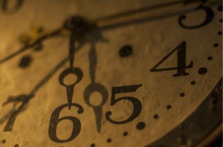 アンティークな時計の画像