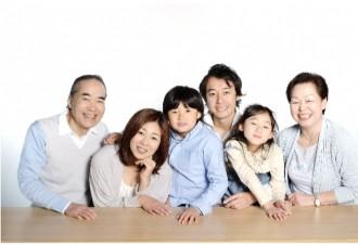 家族集合の画像│「パラミロン」の免疫バランスを整える効果で家族みんな元気に