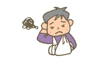カルシウム不足で怪我をした男性のイラスト│ミドリムシ(ユーグレナ)に含まれる「カルシウム」は多くの日本人が不足している成分
