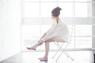 足をマッサージする女性の写真│リバウンドしない方法とは?