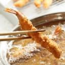 エビフライを揚げるイラスト│ミドリムシ(ユーグレナ)や食用油などに含まれる「リノール酸」とは?