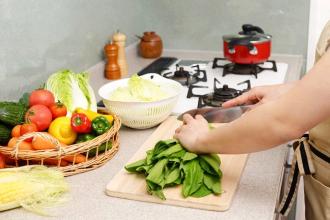 野菜の調理は手間がかかる